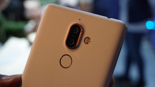 Nokia 7 plus especificación blanco